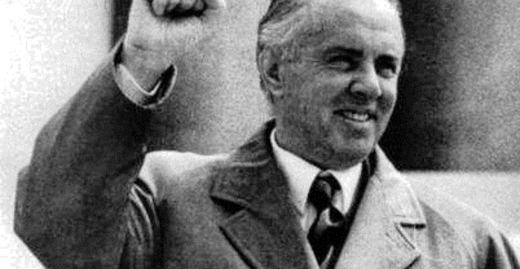 HOXHA'S COMMUNISM AS THE ROAD TO NATIONAL UNITY: Explaining the Synthesis of Communism and Nationalism in Post-War Albania