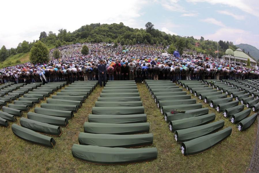 Jahrestag des Massakers von Srebrenica – Gedenken an neu gefundenen Opfern  – FOMOSO