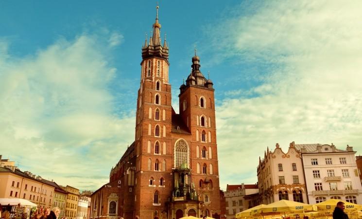 """""""Unheilige Allianz"""" - verkommt die polnische Kirche zum """"Handlager"""" der PiS-Regierung?"""